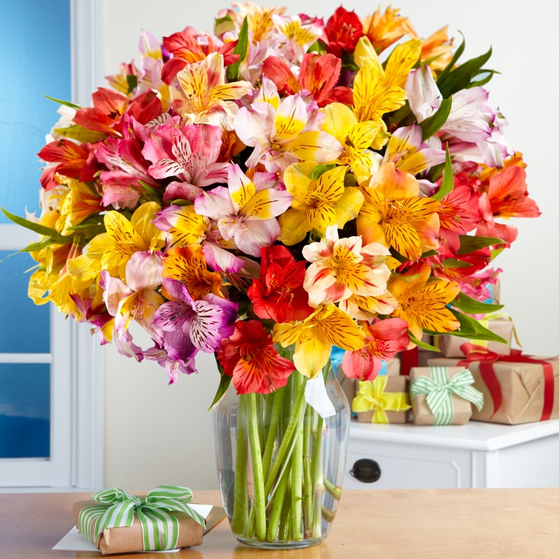 http://www.bloomsweddings.com/wp-content/uploads/2014/06/birthday-flowers.jpg